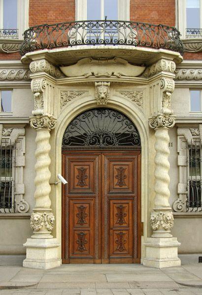 Portoni di Torino: piazza Solferino 11