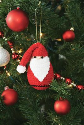 Quickly made and on my Christmas Craft To-Do ✔ List! This miniature Santa ornament is over-the-top too cute! I have lots of little friends that are getting these special Santas for their trees! Maybe a great first ornament for a newborn? Embroider the year across his beard? So many possibilities. Put on your thinking cap! Leave the bottom open and instant wine bottle topper! Yes! Another great QUICK gift idea! ¯_(ツ)_/¯