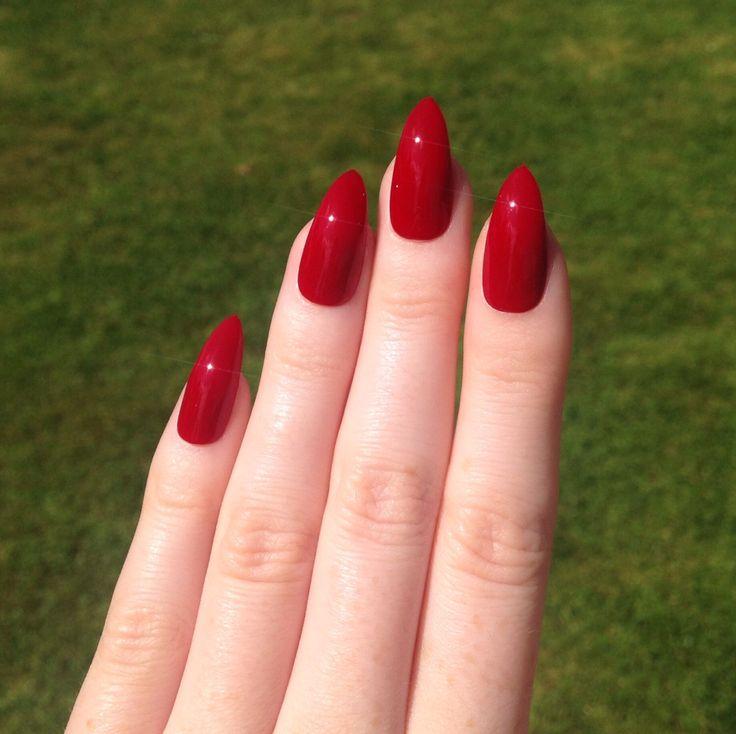 Red Stiletto Nails: Ruby Red Medium Length Acrylic Nails. Barbarabeauté