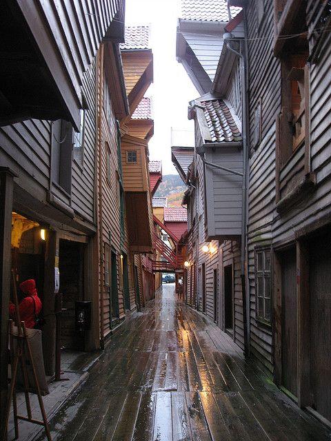 Behind Bergen's bryggen