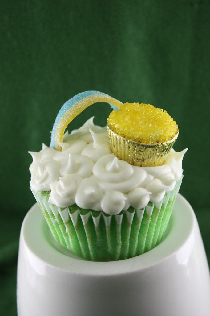 pot o gold cupcakes!! cute for St Patrick's Day!