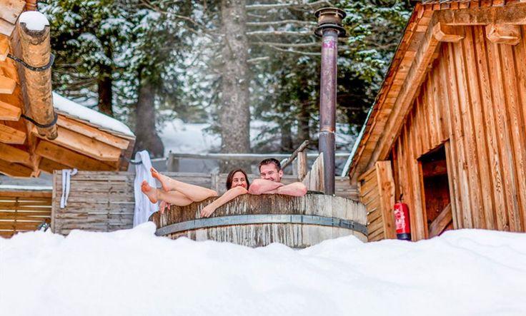 Kurzurlaub mit Hund und Katze - ein Winter-Schnäppchen am Zirbitzkogel in der Steiermark in der gemütlichen Tonnerhütte. 3 Nächte mit Wellness & Skitour um nur 99 EUR pro Person! Nicht wie los, der Urlaub wartet!