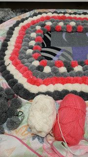 pom-pom rug, diy, yarn, pom-poms maker, how to make?