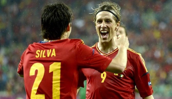 Spain 4 - 0 Ireland. La Roja are closer to the quarterfinals after defeating Ireland. Fernando Torres is back!