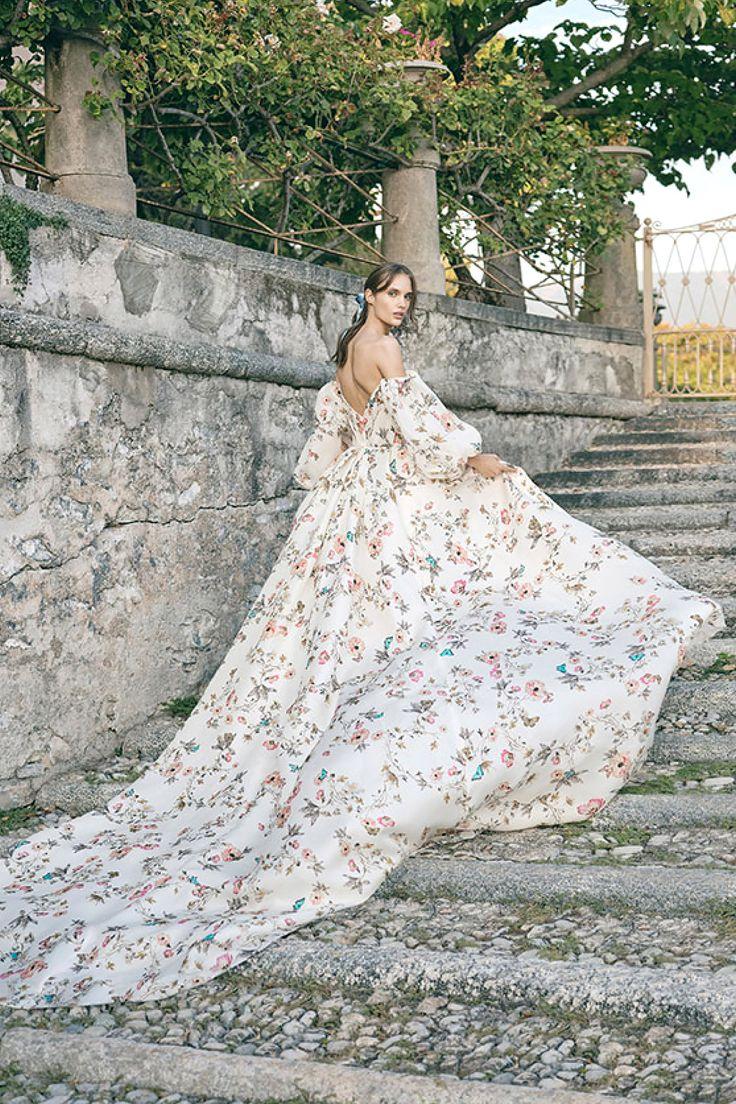 El vestido de novia de Monique Lhuillier que podría cambiar cómo imaginamos la perfecta boda de verano Wedding Dress Trends, Fall Wedding Dresses, Tulle Wedding, Wedding Dress Styles, Boho Wedding Dress, Wedding Gowns, Green Wedding, Wedding Shoes, Wedding Mandap