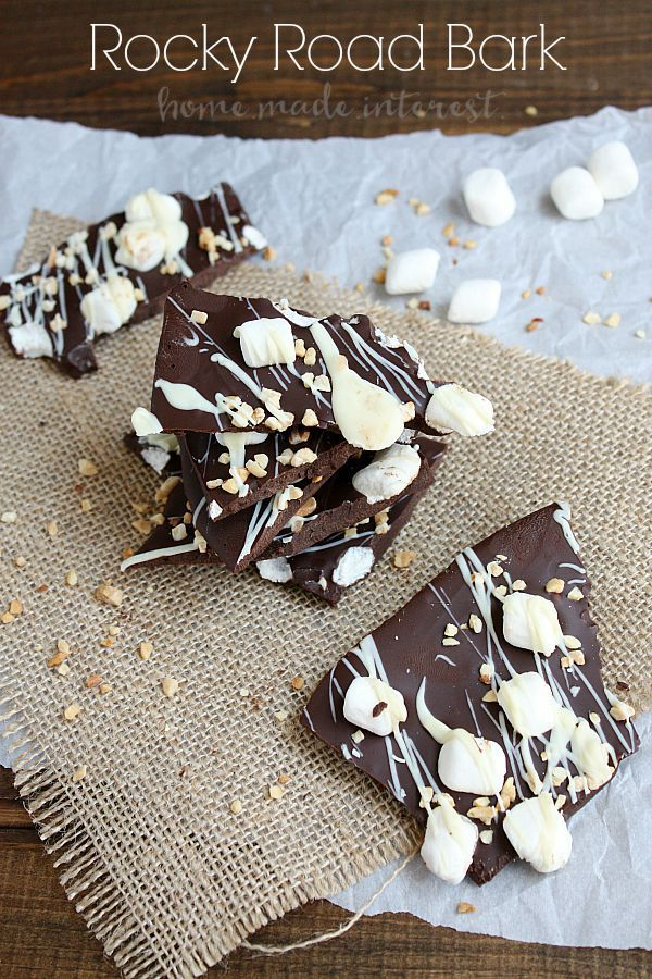 This makes a great Christmas gift! Everyone will love your homemade Rocky Road Bark/ Creamy dark chocolate covered in almonds, marshmallows, and white chocolate. This is a dessert no one can resist! KOVOT | ad