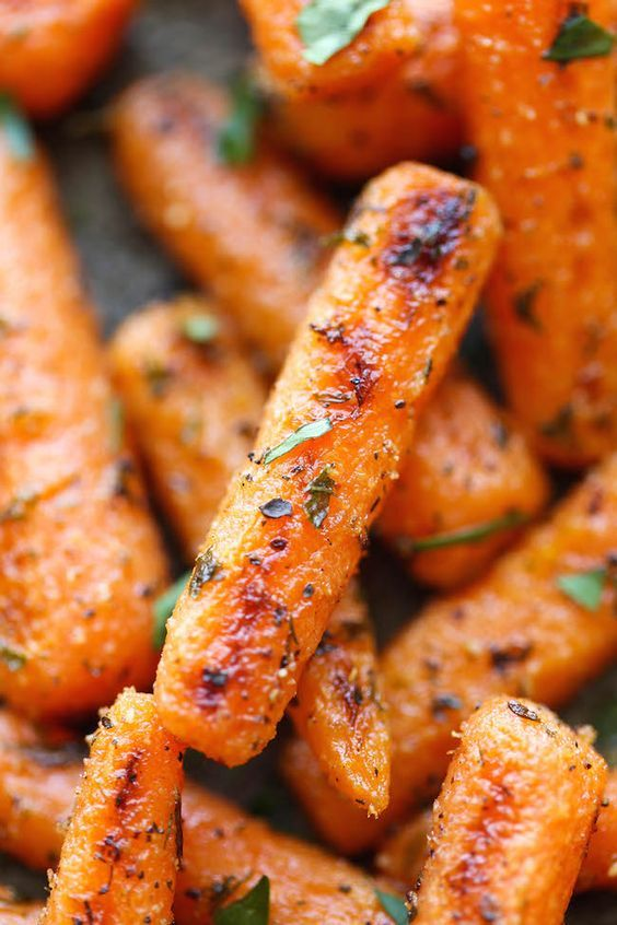 Easy Ranch Baby Carrots - Made with homemade Ranch seasoning and roasted to crisp-tender perfection. And all you need is 5 min prep and one pan. How easy!