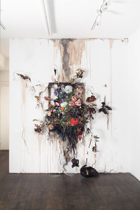 VALERIE HEGARTY amaziiiiiiing: flowers coming out of the rocks?