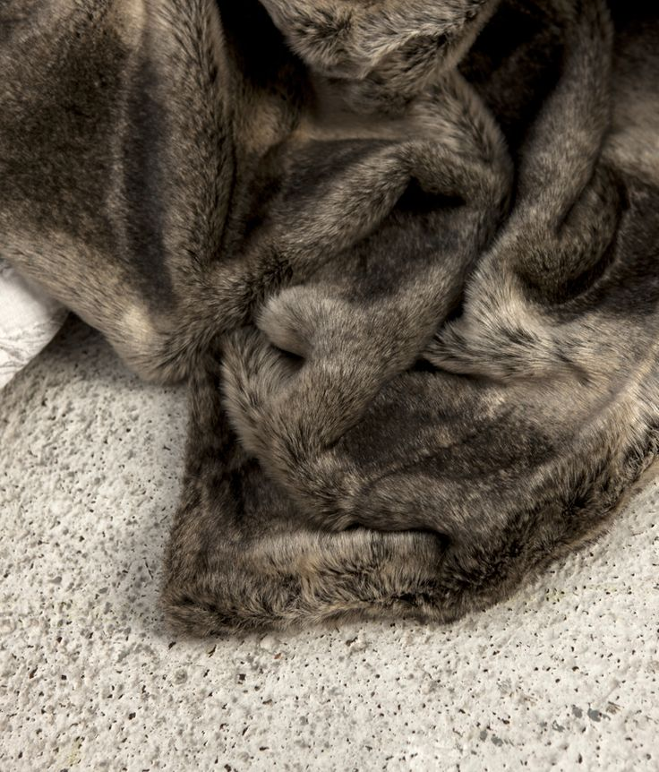 Luxurious Faux Fur Throw