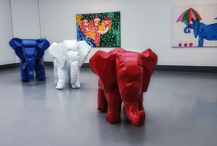 Vrolijke Cubaanse kunst in museum Singer in Laren en vrolijke olifanten.