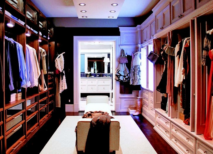 Carrie Bradshaw's closet....my hubby and I need this.