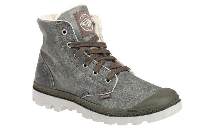 Kožené topánky, ktoré sú zateplené ovčou kožušinkou a tým pádom Vás zohrejú aj v chladnejšom počasí. Veľmi dobre sadnú na akúkoľvek nohu. Podrážka je z kvalitnej gumy. Testovali sme ich vlani a topánky vydržali celú zasolenú mestskú :) zimu. Vyskúšate ich aj vy?