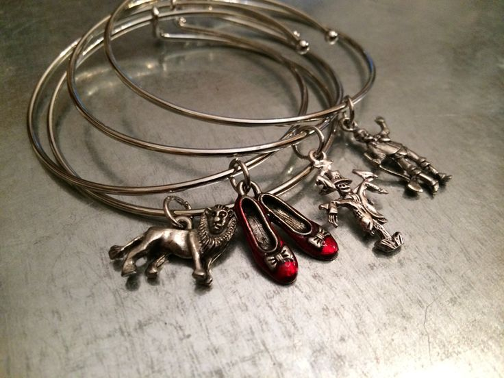 Tribute Off to See the Wizard of Oz Bangle Bracelet
