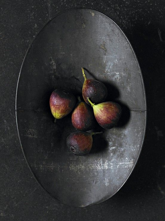 figs in a bowl from Rustic.Meets.Vintage