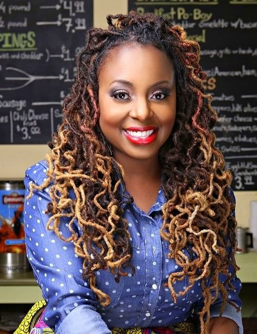 Ledisi  - Isn't she beautiful! Locks, not that's the way they are suppose to look!