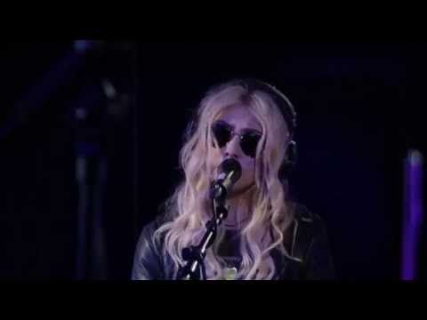 ▶ The Pretty Reckless Heaven Knows BBC Radio 1 Live Lounge 2014 - YouTube