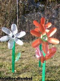 fleur,moulin à vent réalisé avec des bouteilles plastique
