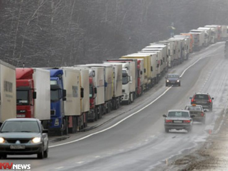 Un nuevo impuesto ruso dirigido a los conductores de camiones de larga distancia incrementará el costo de los bienes importados a Armenia.