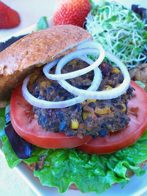 black bean and cranberry burgers with chipotle hummus | Great recipies ...