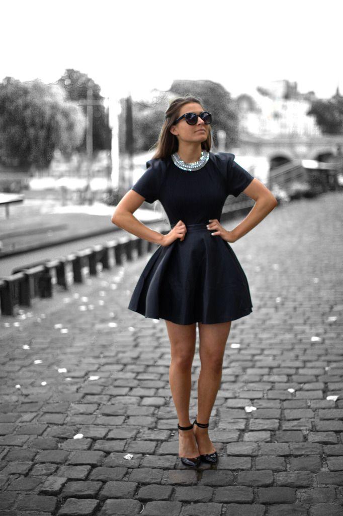 PrepagandaFull Skirts, Fashion, All Black, Style, Outfit, Audrey Hepburn, Breakfast At Tiffany, Little Black Dresses, The Dresses