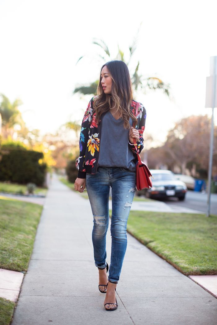 http://www.songofstyle.com/wp-content/uploads/2013/12/song-of-style-floral-bomber-jacket1.jpg Encontrado en http://songofstyle.com