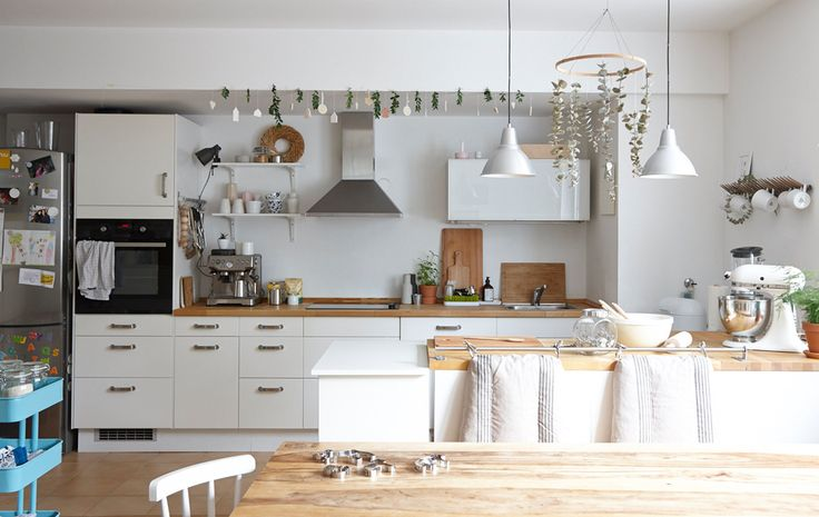Use a kitchen island to connect the cooking and living spaces in an open-plan room   #IKEAIDEAS