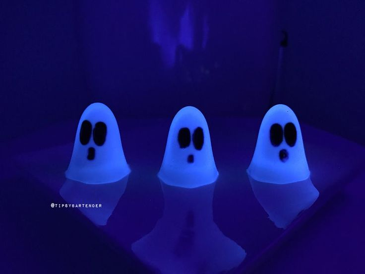 Glow in the Dark Ghost Jello Shots - For more delicious recipes and drinks, visit us here: www.tipsybartender.com