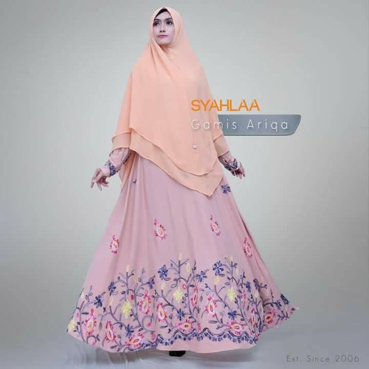 Gamis Syahlaa Ariqa Warna : Pink, Hitam, Kuning Ukuran : S,M,L,XL Pemesanan: BBM : 5372BED5 WA : 081519480738