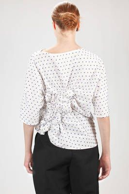 Elisa Wild | hip length shirt in cotton poplin with fabric polka dots | #elisawild