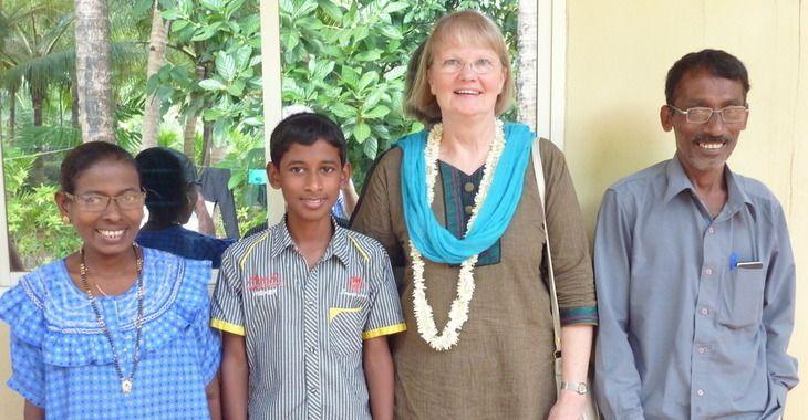 Wir, die Freunde von Mount Rosary in Moodbidri/Alangar in Südindien, helfen den Schwestern von Mount Rosary bei ihren vielen sozialen Aufgaben für bedürftige Menschen. Unser Verein hat seinen Sitz in Kempen-Tönisberg.