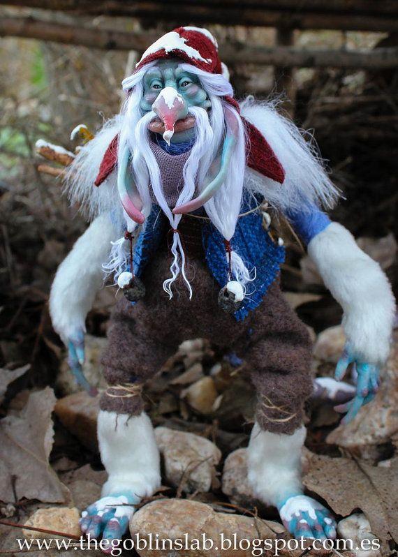 Troll invernal Ooak. criatura fantástica. Rungammel por Goblins Lab. OOAK Dolls. Mythical Creature Laboratory. Fantasy Art. *The Artist Web ( GoblinsLab ) :https://goo.gl/0Cc6op /  Criaturas Míticas hechas a mano, por el artista plástico  Moisés Espino. The Goblin´s Lab. Madrid, España. Hadas, Duendes, Trolls, Brownies, Goblins, Fairies, Elfs, Trolls, Gnomes, Pixies....Quieres adoptar a una criatura? *GoblinsLab Facebook: https://goo.gl/S39lGQ  /  http://goblinslab.deviantart.com/