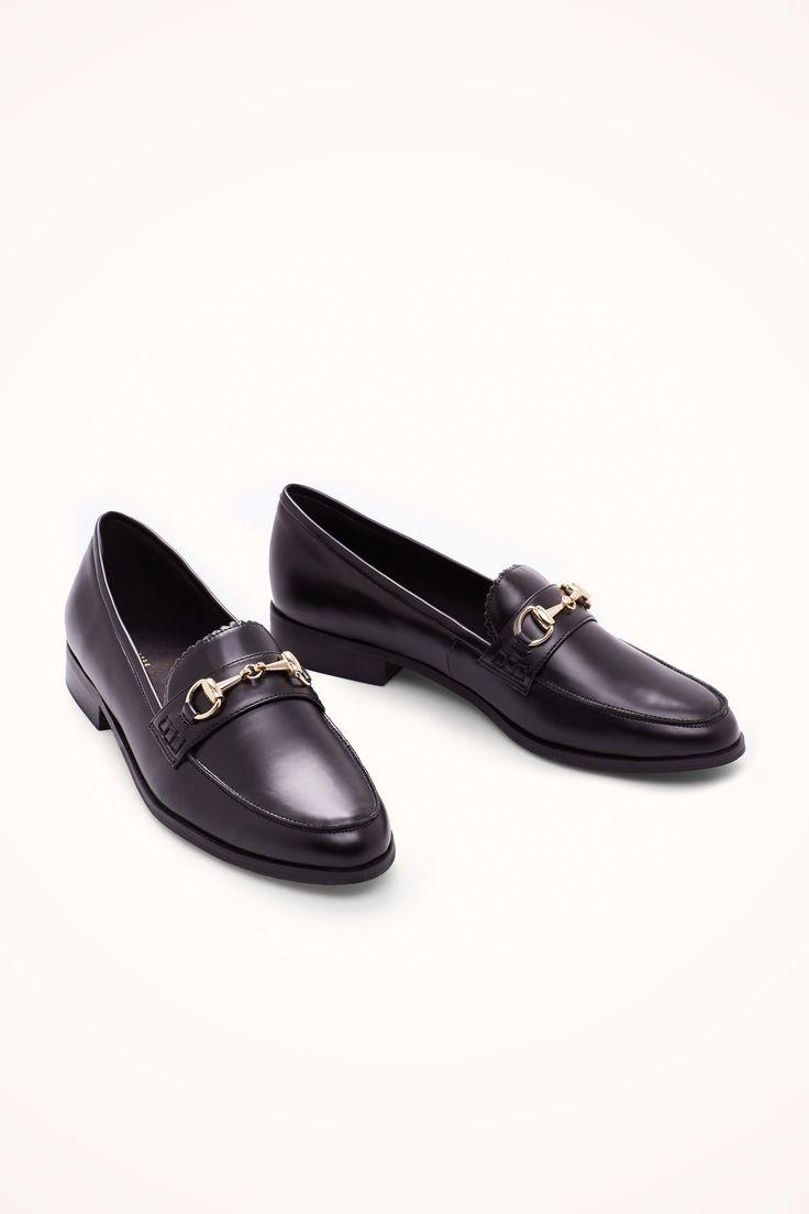 Mocasín detalle metálico | Zapatos | Cortefiel