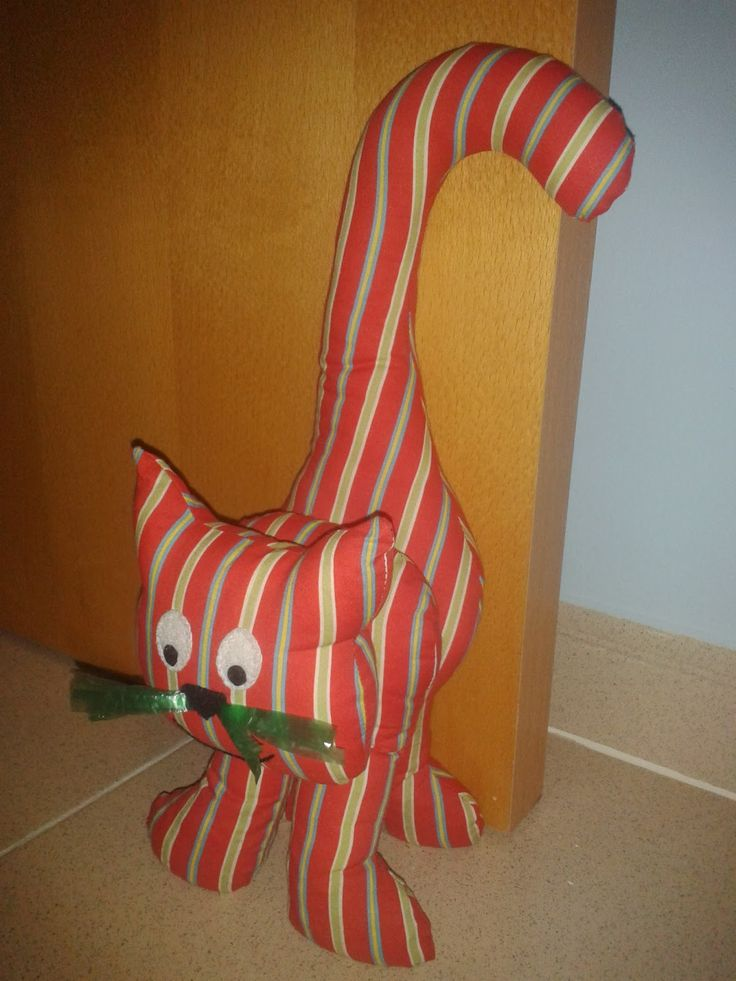 nilus artesania: sujetapuertas gato