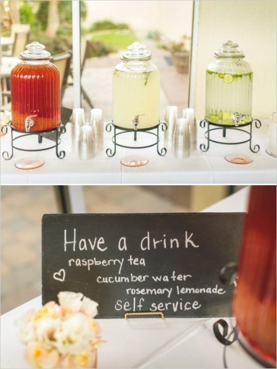 Getränkestation (Wasser mit Geschmack: gefrohrene Früchte, Kräuter...)
