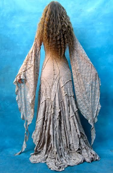Very pagan, woodland fairy looking dress.