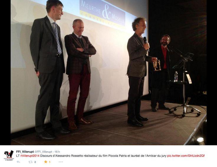 """Alessandro Rossetto ritira il premio per il miglior film al """"Festival du Film italien de Villerupt"""""""