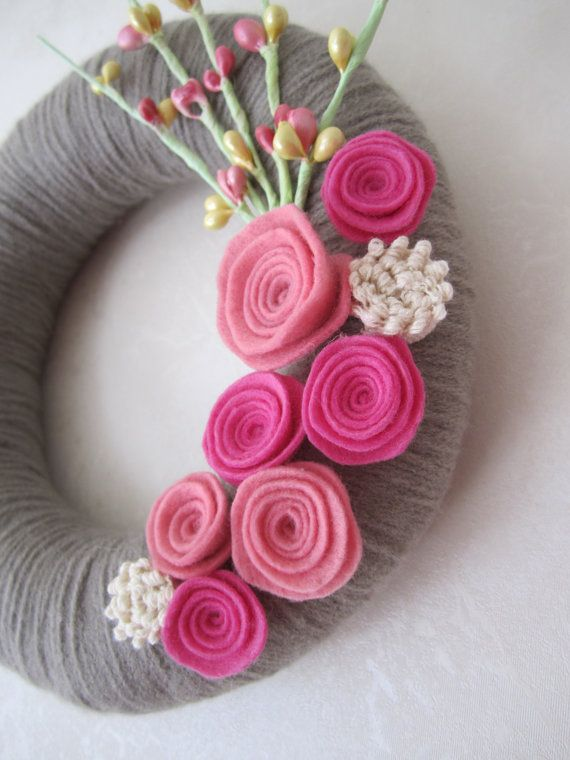 Gray yarn wreath  pink rose 8 by polkadotafternoon on Etsy