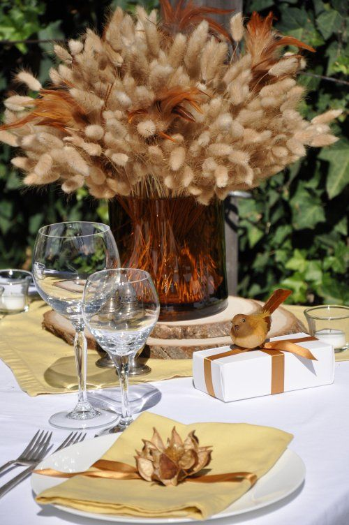 Fall Inspiration...what a pretty simple centerpiece for fall!