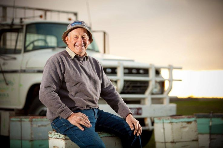 We're taking you behind the scenes of Capilano Honey to share a special story... Meet Lindsay Soulsby, our Beekeeper from Rheola, Victoria.  Joining his father and grandfather in the family trade, Lindsay is a third generation beekeeper with a rich history. The Dodge truck he is pictured with (below) was purchased second-hand with his father in 1980. This father-son beekeeping duo then custom built a truck tray to transport their bees and it has served them well for over 30 years.
