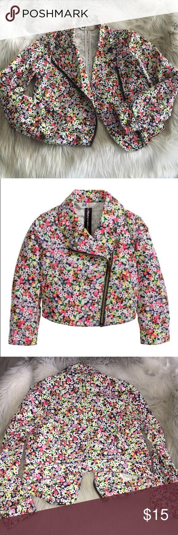 Kids Floral Biker Jacket 🌸🌺🌼 Super cute floral zip up bikers jacket from H&M kids line 🌼🌺🌸 Size 5/6 H&M Jackets & Coats
