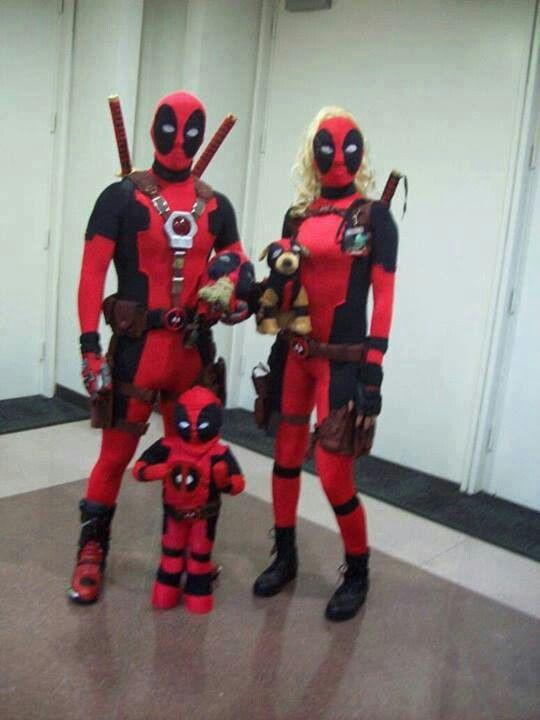 Deadpool, Lady Deadpool, Headpool, Dogpool, and Kidpool?! Best family cosplay ever!