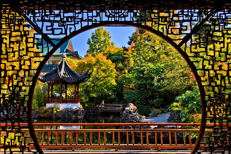 Chinese Garden in China Town - Vancouver. The beauty of Asian architecture.