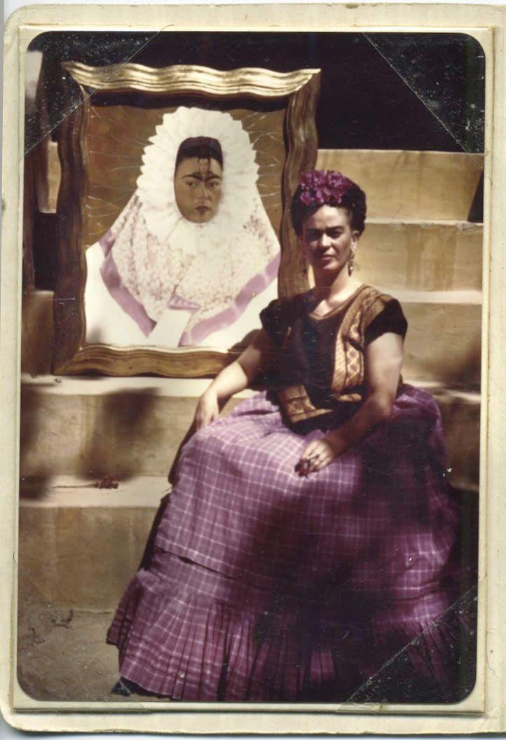Archivo del Museo Frida Kahlo 2/20