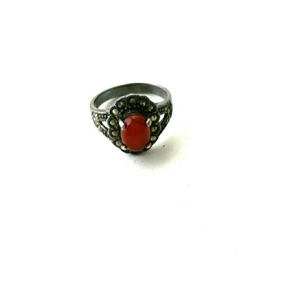 Red agate silver ring (vintage style) Found in my grandmother's jewelry box, she said its passed down from her mother... Jewelry Rings