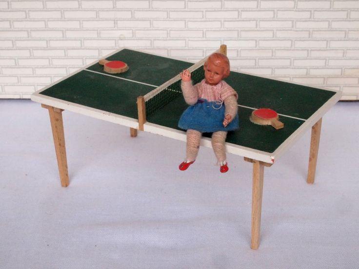 Tischtennisplatte vorhanden, Beine geklebt und ein Schläger leider weg