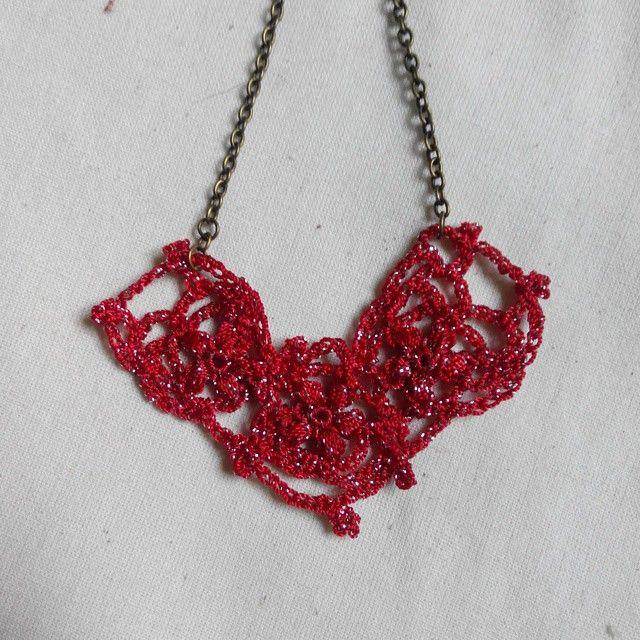 Heart shape crochet necklace