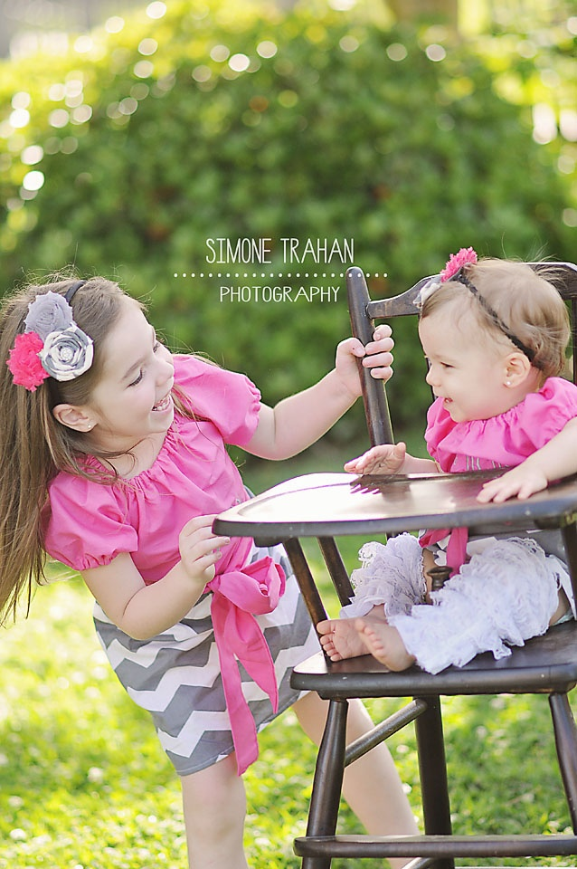 First Birthday / Sibling / Sister Photography / simone.trahan.photography