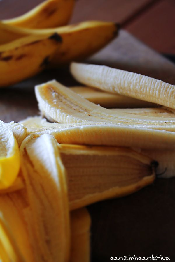 A Cozinha Coletiva: Bananas Foster com Parfait de Chocolate Branco