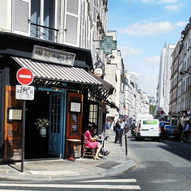 Le café parisien rue Saint Dominique #seemyparis #igerparis #igersfrance #hello_france #traveldeeper #travelingram #explore #exploretocreate #beautifuldestinations #bestvacations #parisjetaime #parisiloveyou #parismaville #parismonamour #discoverearth #ourplanetdaily #wonderful_places #streetfashion #streetphotography #streetphoto #tv_living