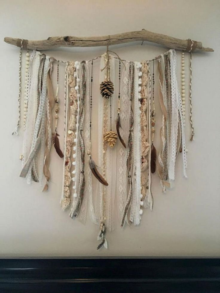 Driftwood Can Be Left Without Changes Surprising With Perfect Imperfection Of This Natural Material Large Pieces Of Driftwood Create Attractive Bases For Glas Feather Decor Hanging Feather Decor Driftwood Wall Art